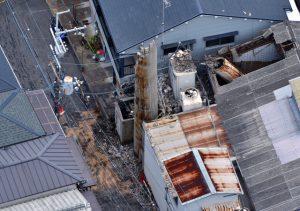 大阪北部地震・高槻市内の銭湯の煙突倒壊