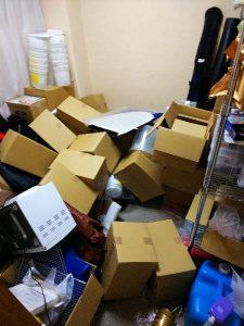 地震直後の事務所①