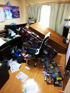 地震直後の事務所②