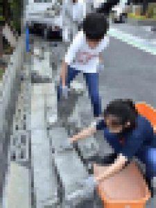 大阪北部地震・片付ける住民