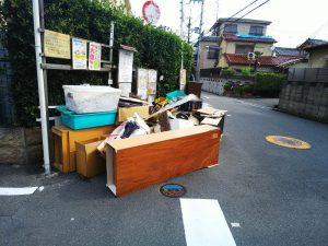 大阪北部地震・廃棄される家具①