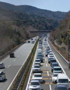 5㎞の渋滞となった伊勢道